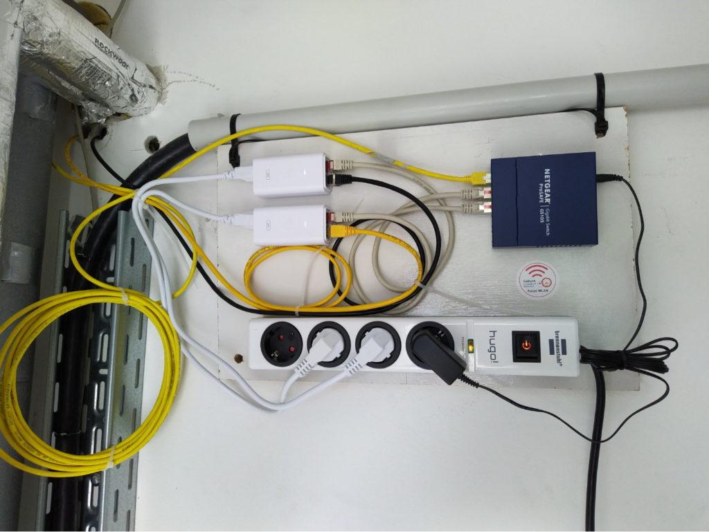 Switch, zum Anschluss zweiter weiterer Freifunk-Router